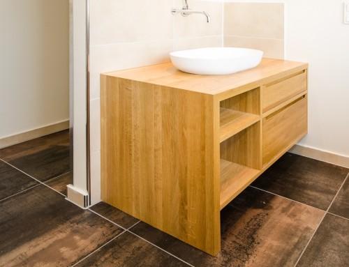 diverse Badezimmer-Möbel